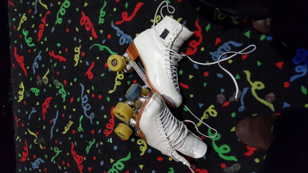Skates in lying around in rink aisles is dangerous!